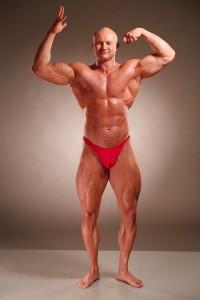 """Фотография тренера Юрия Спасокукоцкого на """"сухой массе"""" 2008 год. Объем руки около 45-46 см, бедра более 70 см. Вес около 105 кг"""