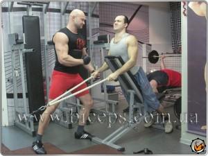 Тяга для трапециевидных мышц с канатной рукоятью