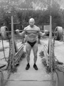 Юрий Спасокукоцкий наслаждается отдыхом на пляже