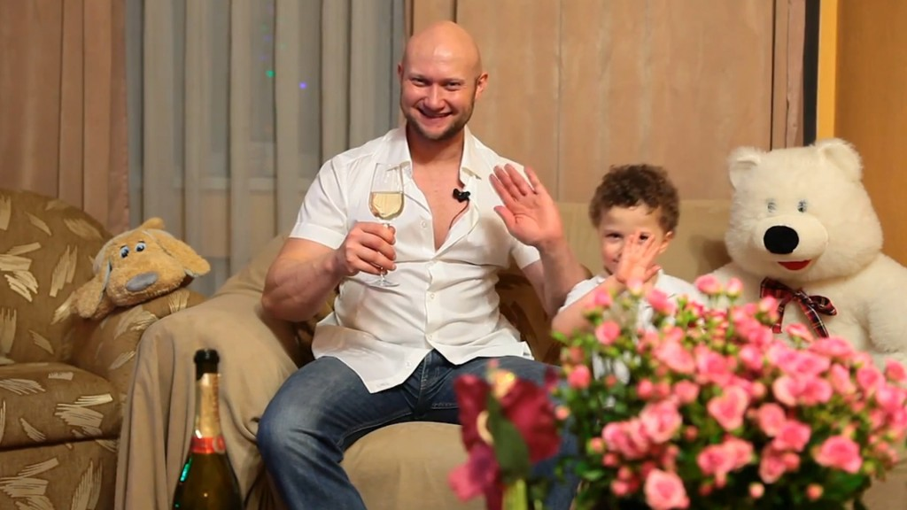 Юрий Спасокукоцкий поздравляеет с Новым 2014 Годом
