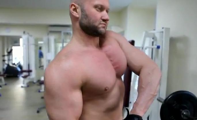 Программа тренировки на грудные мышцы для девушек