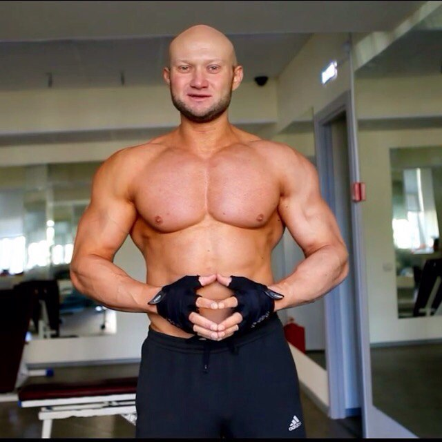 Упражнения на грудные мышцы для мужчин в домашних условиях 32